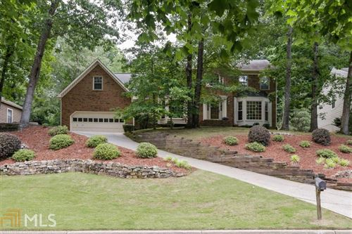 Photo of 560 Wood Valley Trce, Roswell, GA 30076 (MLS # 8792736)