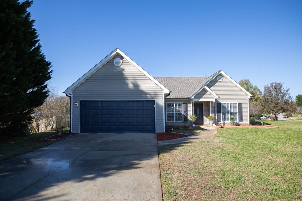 611 Bowling Lane, Winder, GA 30680 - #: 8893742