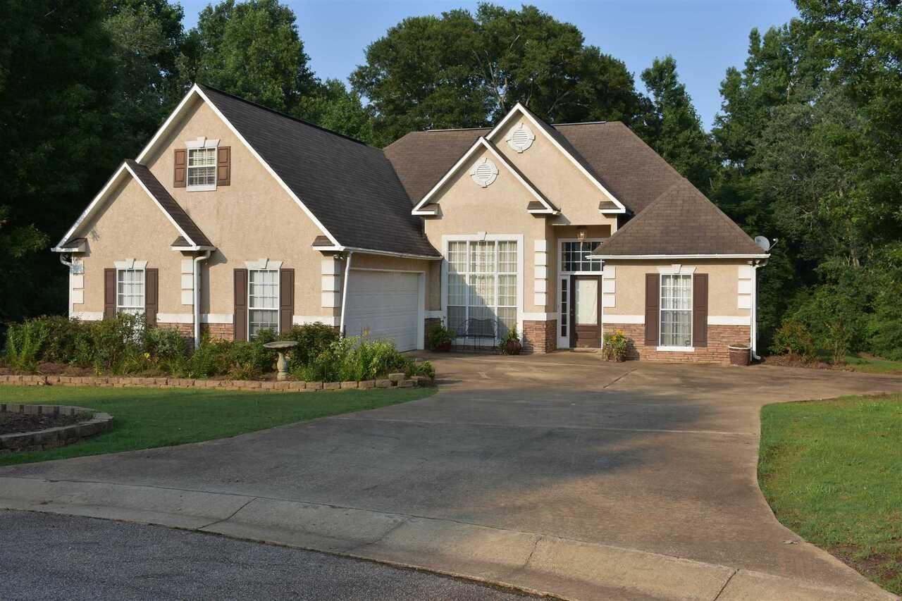 102 Brush Creek Court, LaGrange, GA 30240 - #: 9008749