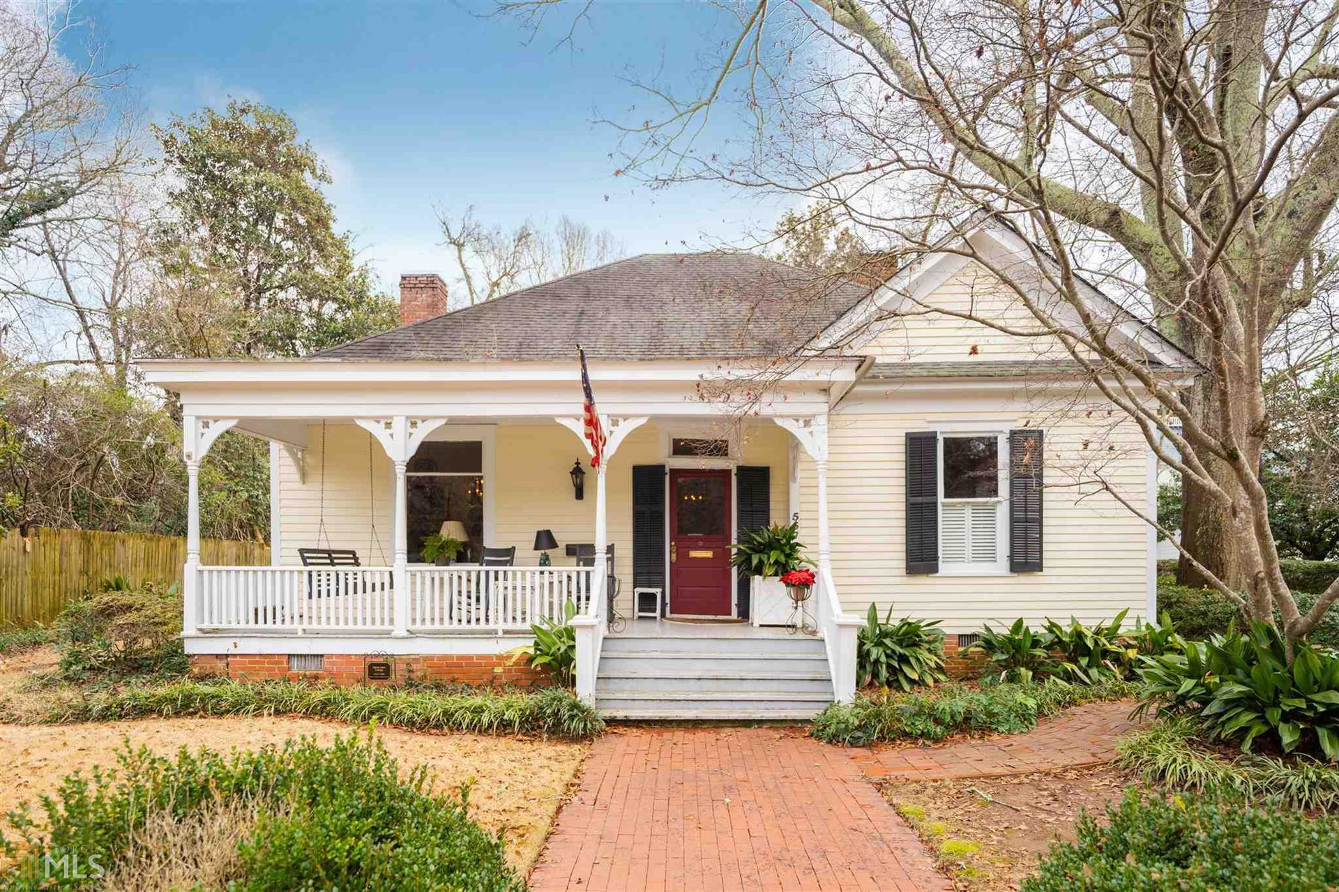Photo of 557 Academy St, Madison, GA 30650 (MLS # 8912786)