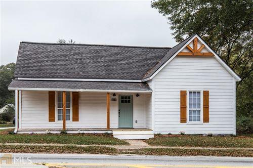 Photo of 600 Main St, Whitesburg, GA 30185 (MLS # 8877958)