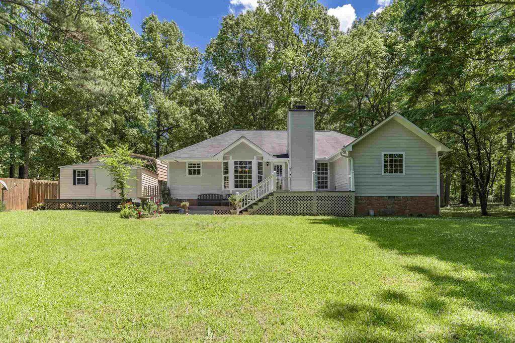 Photo of 108 N Hidden Lake Drive, Eatonton, GA 31024 (MLS # 8917971)