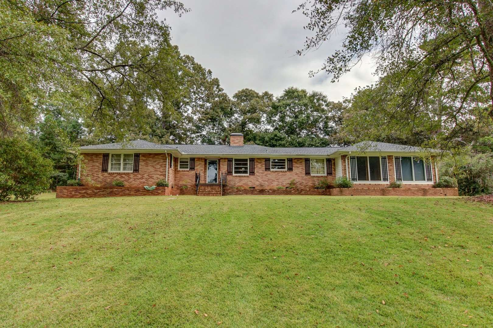 622 Brookwood Ave, Jackson, GA 30233 - MLS#: 8865980