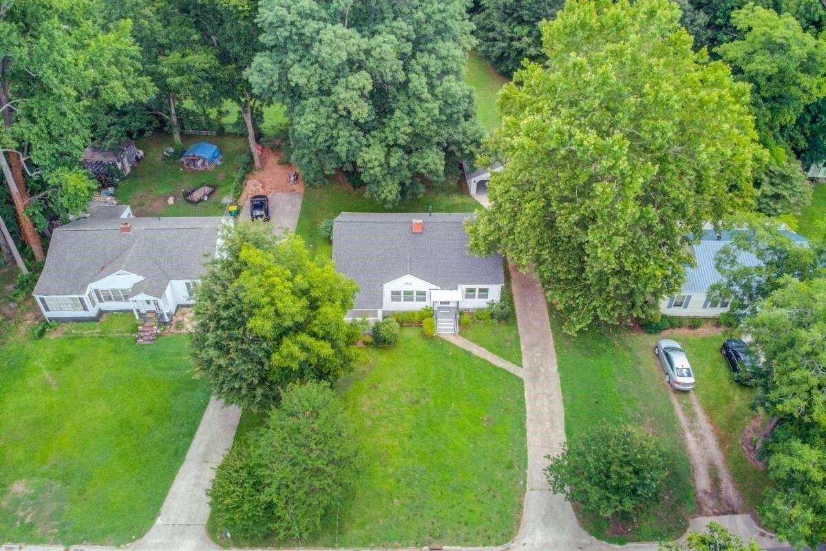 42 E Stephens St, Winder, GA 30680 - #: 9002997