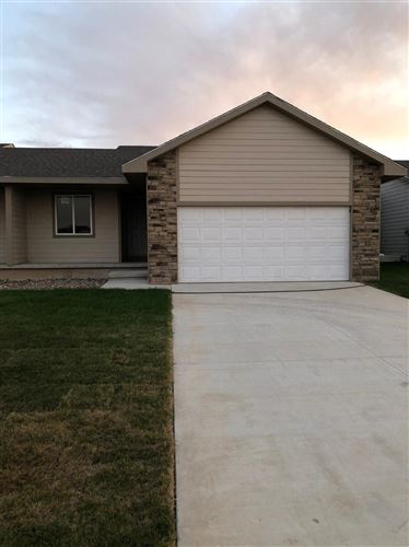 Photo of 1918 East Prairie View Drive, Garden City, KS 67846 (MLS # 17062)