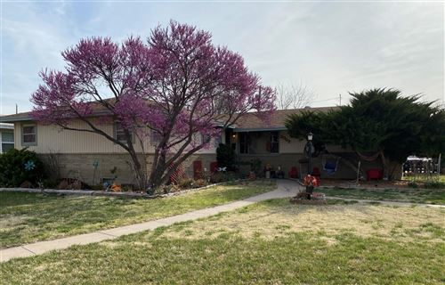 Photo of 2002 Downing Street, Garden City, KS 67846 (MLS # 17154)