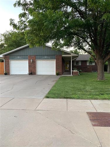 Photo of 2701 Rowland Road, Garden City, KS 67846 (MLS # 17166)
