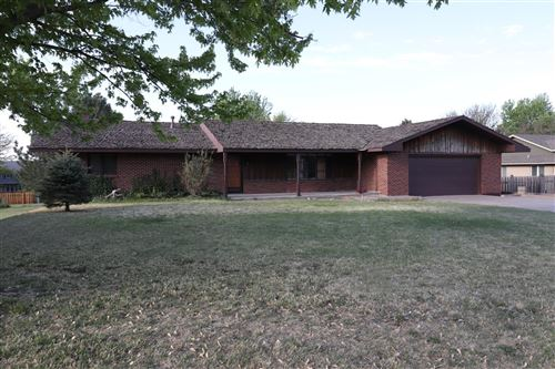 Photo of 1724 Crestway Drive, Garden City, KS 67846 (MLS # 17322)