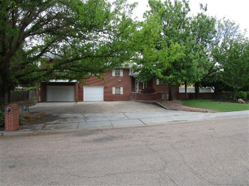 Photo of 1715 Crestway Drive, Garden City, KS 67846 (MLS # 17341)