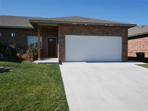 Photo of 3303 Eagle Drive, Garden City, KS 67846 (MLS # 17594)