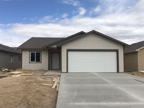 Photo of 1901 East Prairie View Drive, Garden City, KS (MLS # 17622)