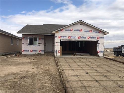 Photo of 1923 East Prairie View Drive, Garden City, KS 67846 (MLS # 17625)