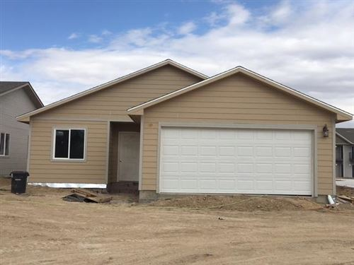 Photo of 1905 East Prairie View Drive, Garden City, KS 67846 (MLS # 17627)