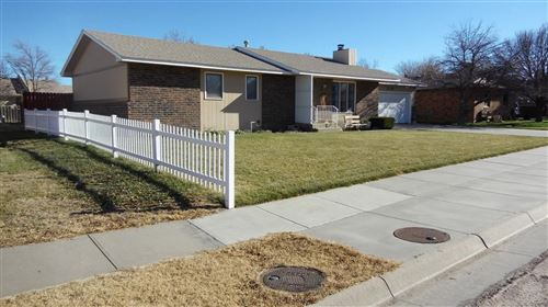 Photo of 2110 North Sunflower Street, Garden City, KS 67846 (MLS # 17630)