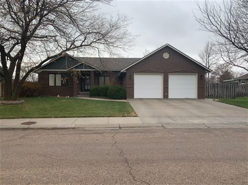 Photo of 1902 Windyview Drive, Garden City, KS 67846 (MLS # 17651)
