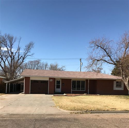 Photo of 1611 Belmont Place, Garden City, KS 67846 (MLS # 17655)