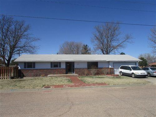 Photo of 1007 North Anderson Street, Garden City, KS 67846 (MLS # 17738)