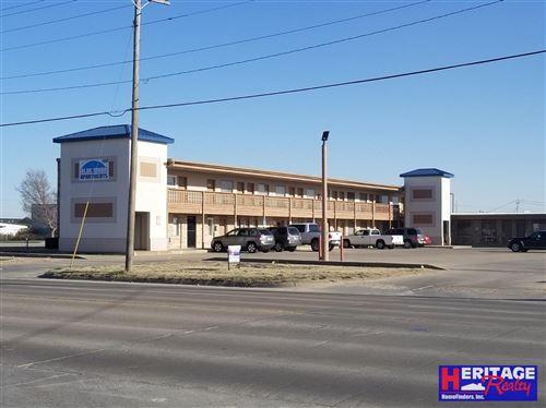 Photo of 1502 East Fulton Street, Garden City, KS 67846 (MLS # 17746)