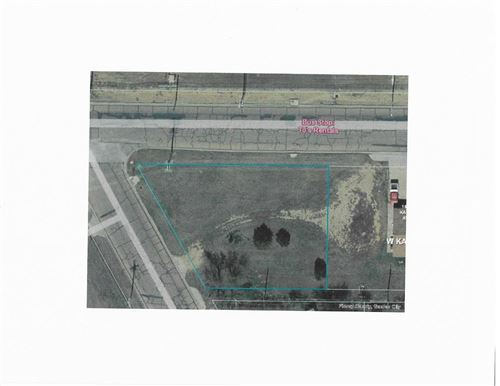 Photo of 1820 West Kansas Avenue, Garden City, KS 67846 (MLS # 17961)