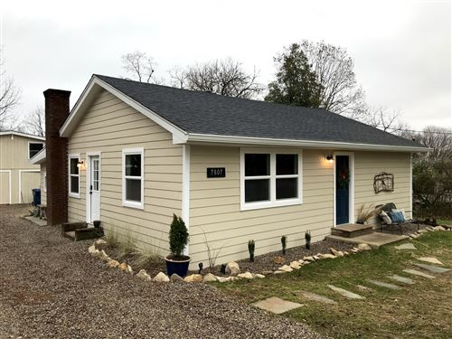 Photo of 7807 Beechdale Rd, Crestwood, KY 40014 (MLS # 1549002)