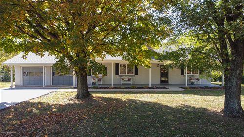 Photo of 988 Burks Branch Rd, Shelbyville, KY 40065 (MLS # 1572012)
