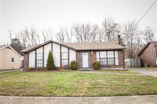 Photo of 9808 Turnpike View Dr, Louisville, KY 40229 (MLS # 1549034)