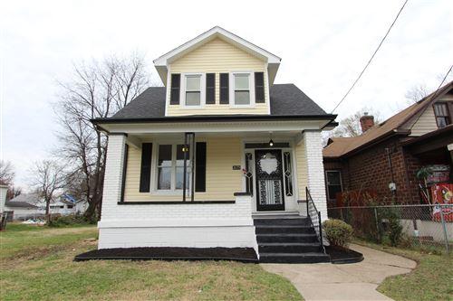 Photo of 2135 W Lee St, Louisville, KY 40210 (MLS # 1575042)