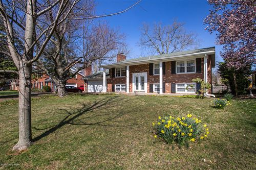 Photo of 131 Tanglewood Trail, Louisville, KY 40223 (MLS # 1556054)
