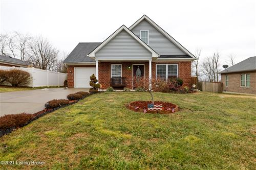 Photo of 1021 Horse Shoe Dr, Shelbyville, KY 40065 (MLS # 1580077)