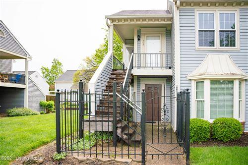 Photo of 703 Yorkwood Pl, Louisville, KY 40223 (MLS # 1585114)