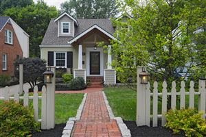 Photo of 4017 Springhill Rd, Louisville, KY 40207 (MLS # 1535134)