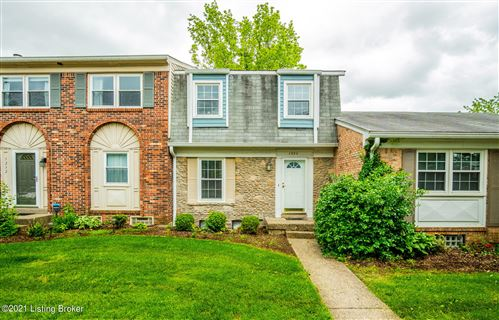 Photo of 1230 Inverary Ct #16, Louisville, KY 40222 (MLS # 1585144)