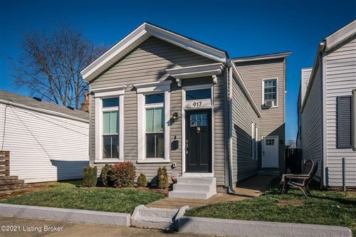 Photo of 917 E Oak St, Louisville, KY 40204 (MLS # 1580150)