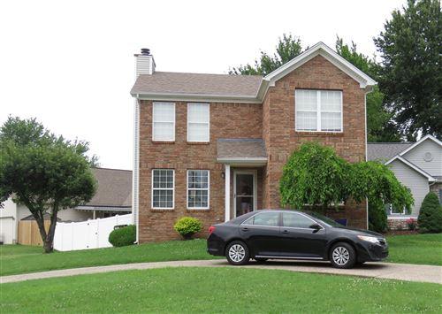 Photo of 10503 Parkerwood Pl, Louisville, KY 40229 (MLS # 1563152)