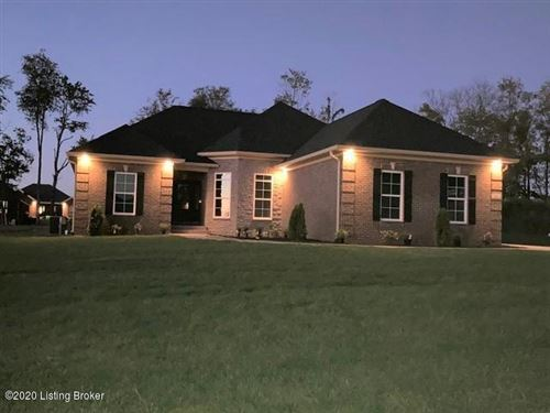 Photo of 208 Cherokee Dr, Shelbyville, KY 40065 (MLS # 1571155)