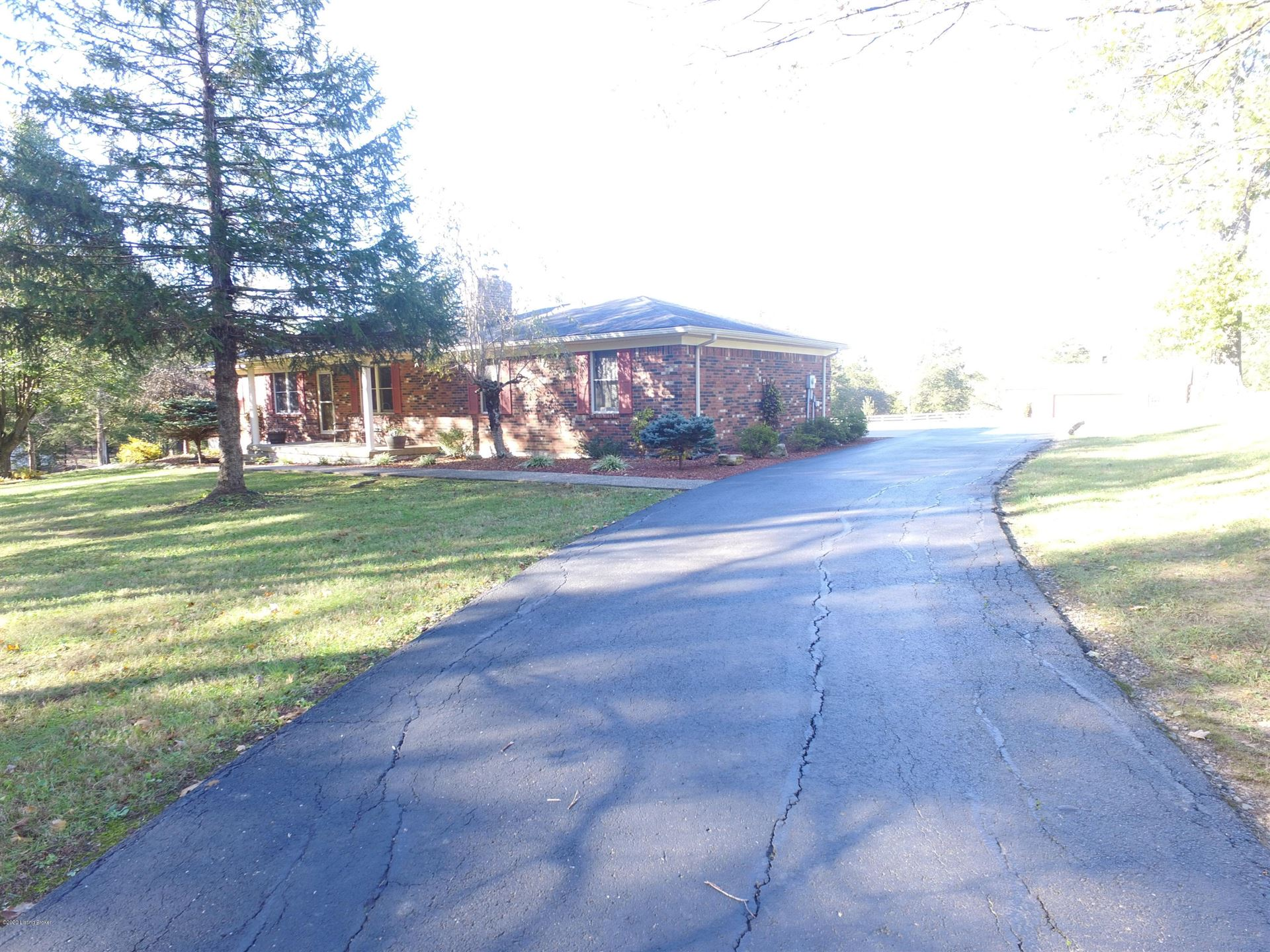 Photo of 585 Johnson Ln, Taylorsville, KY 40071 (MLS # 1573159)