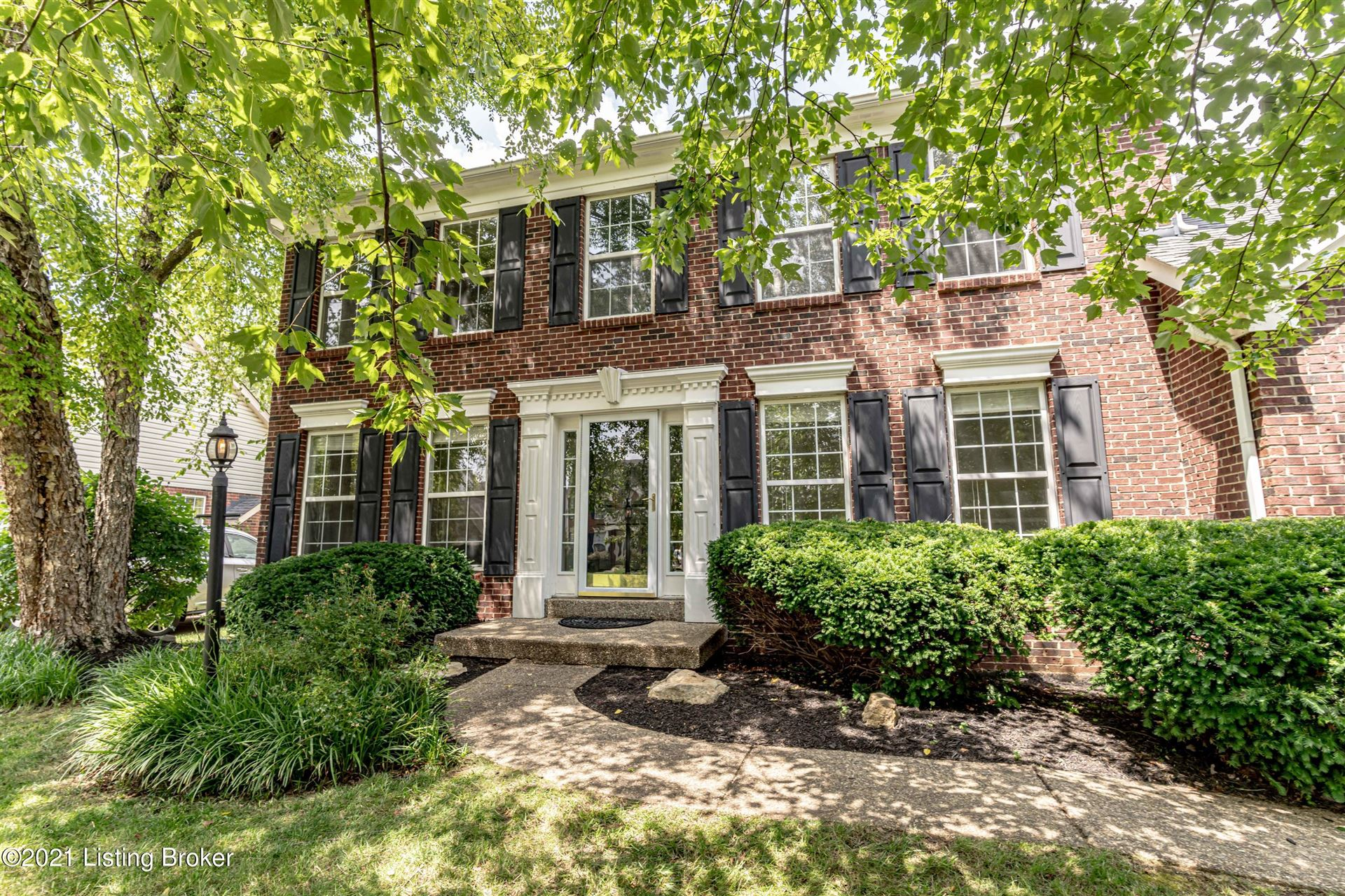 Photo for 3901 Spring Valley Way, Louisville, KY 40241 (MLS # 1591160)