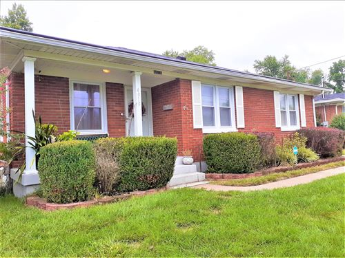 Photo of 4919 Paramount Dr, Louisville, KY 40258 (MLS # 1568167)