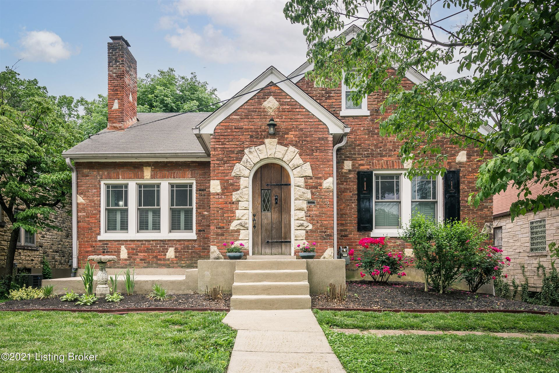 Photo for 2702 Brownsboro Rd, Louisville, KY 40206 (MLS # 1587185)