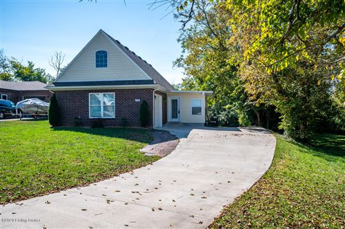 Photo of 1035 Horse Shoe Dr, Shelbyville, KY 40065 (MLS # 1571187)