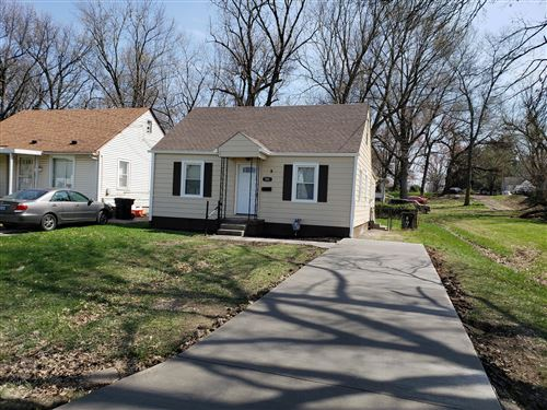 Photo of 925 S 44th St, Louisville, KY 40211 (MLS # 1556189)
