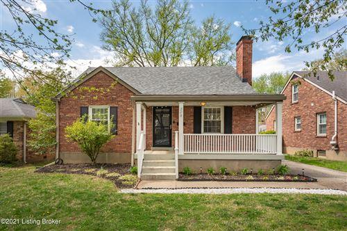 Photo of 208 Merriman Rd, Louisville, KY 40207 (MLS # 1583194)