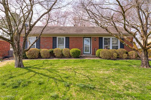 Photo of 2304 Old Hickory Rd, Louisville, KY 40299 (MLS # 1556208)