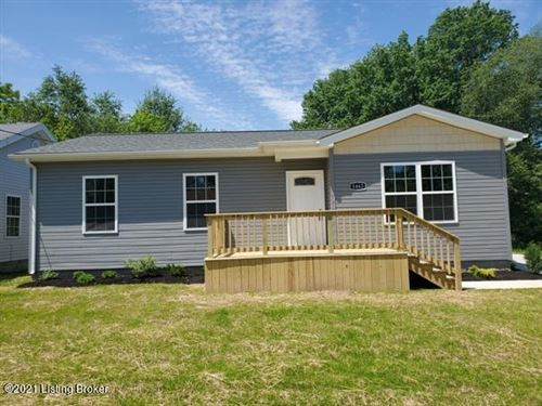 Photo of 1463 Forest Dr, Louisville, KY 40219 (MLS # 1585219)