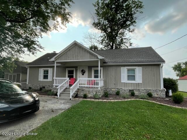Photo for 5211 River Rd, Louisville, KY 40222 (MLS # 1595221)