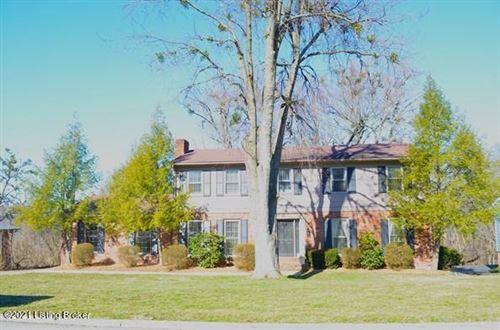 Photo of 4616 Deepwood Ct, Louisville, KY 40241 (MLS # 1580222)