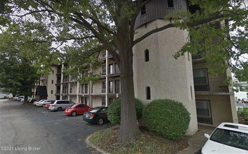 Photo of 4012 Dupont Cir #312, Louisville, KY 40207 (MLS # 1592228)