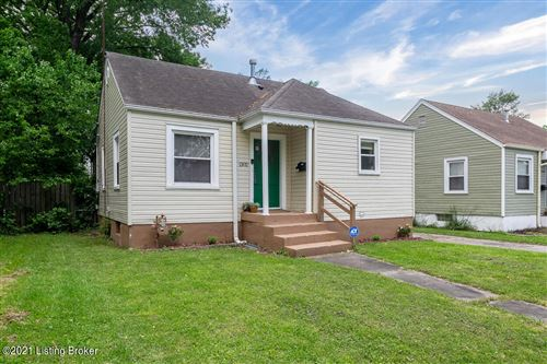 Photo of 1302 Homeview Dr, Louisville, KY 40215 (MLS # 1585244)