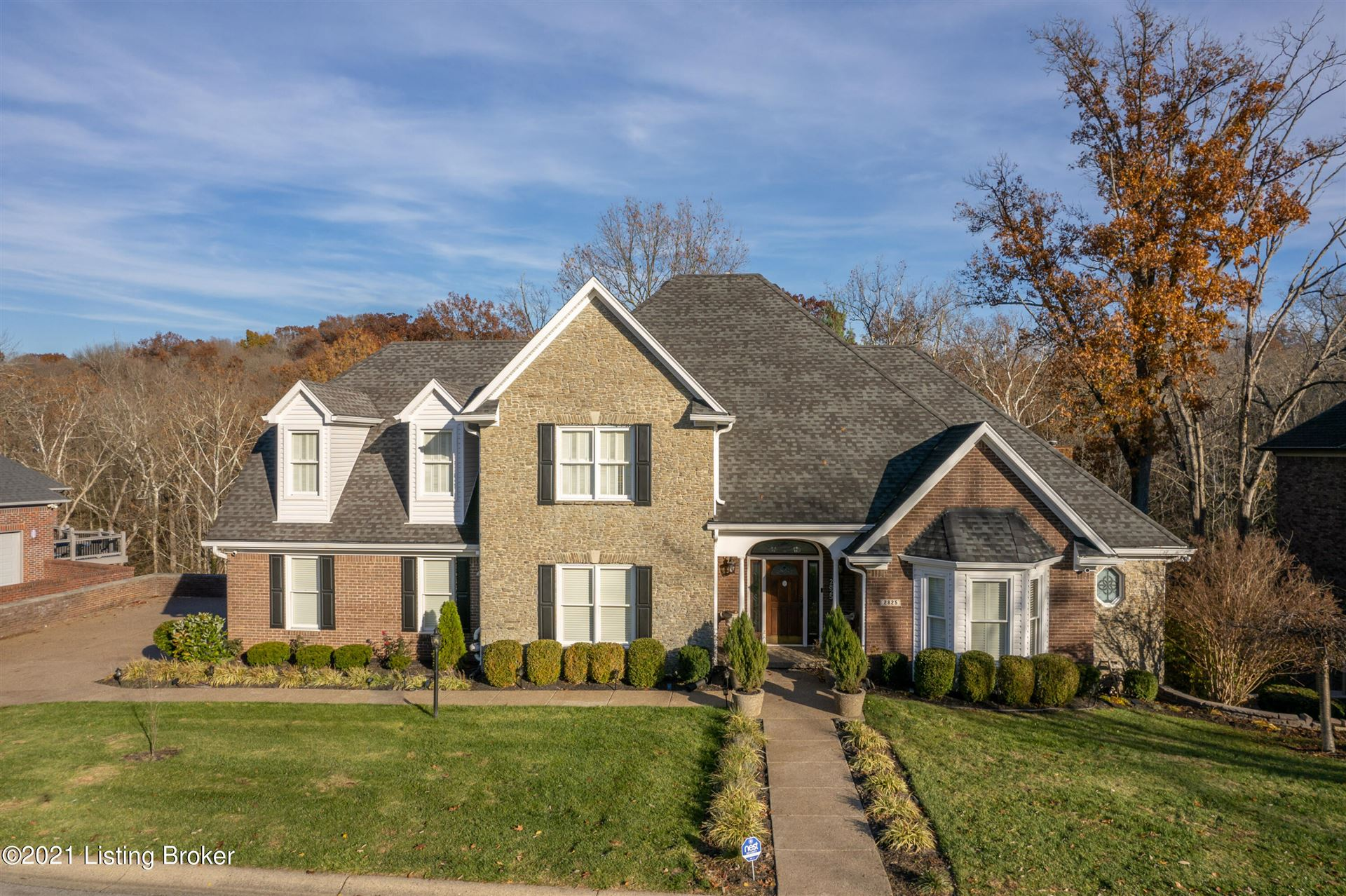Photo for 2825 Avenue Of The Woods, Louisville, KY 40241 (MLS # 1596271)