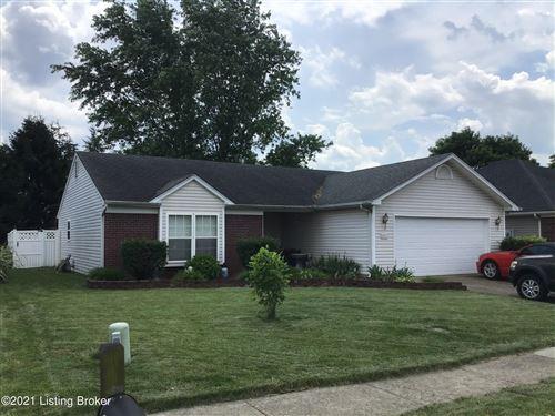 Photo of 9811 Brooks Bend Rd, Louisville, KY 40258 (MLS # 1588272)